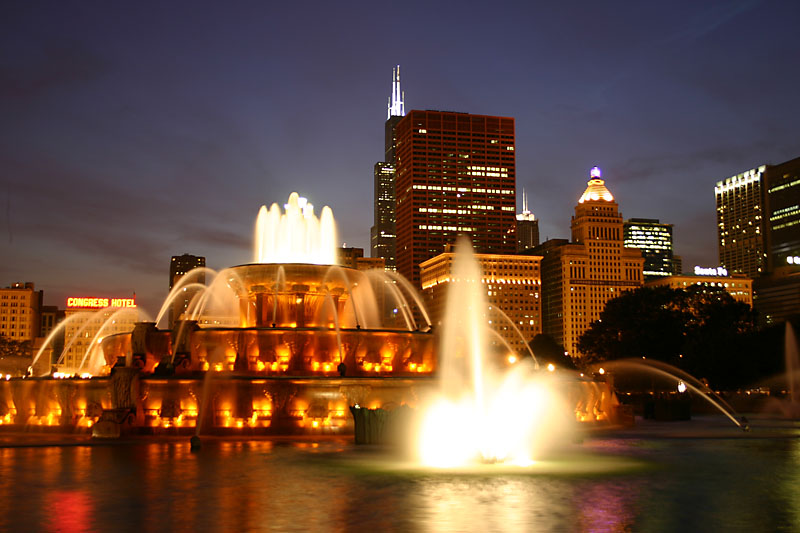 [Image: buckinghamfountain_01.jpg]