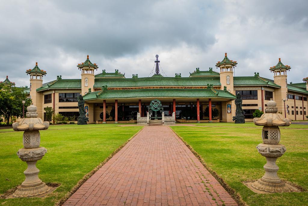 Wat Phumin - Attractive Thai Lü temple in Nan - Renown Travel