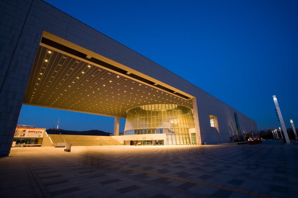 [Hình: nationalmuseumofkorea_01.jpg]