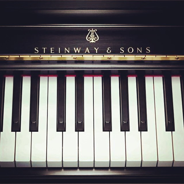 steinway sons piano factory tour broke tourist. Black Bedroom Furniture Sets. Home Design Ideas